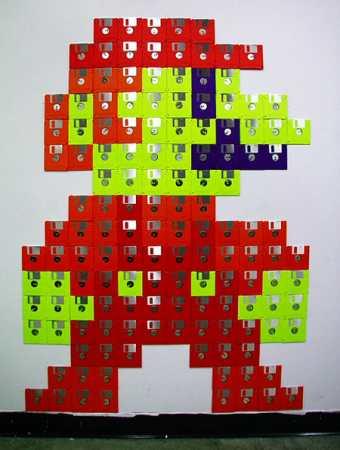 Mario hecho con disquetes
