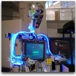 RuBot II, un robot que da miedito y resuelve el cubo de rubik