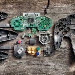 Controles de consolas de videojuegos completamente desarmados